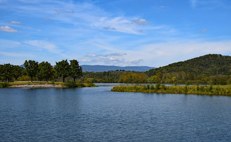 land between the lakes tennessee motorcycle ride.jpg