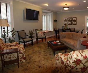 The Guest House Inn on Courthouse Square |  West Virginia